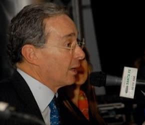 Álvaro Uribe revela que planeó acción militar en Venezuela | Noticias Bogota y Colombia | Emisora Radio Santa Fe 1070 am en vivo | COMUNICACION HUMANA | Scoop.it
