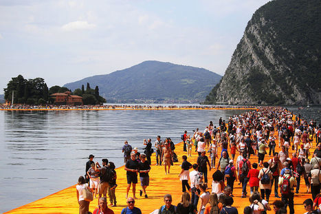 Christo's 'Floating Piers' Temporarily Shuts Down | What's new in Visual Communication? | Scoop.it