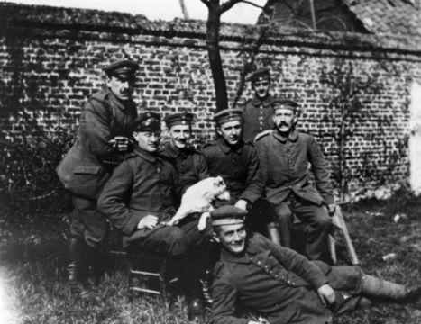 File:Bundesarchiv Bild 146-1974-082-44, Adolf Hitler im Ersten Weltkrieg.jpg - Wikipedia, the free encyclopedia | La Primera Guerra Mundial 1914-1918 | Scoop.it