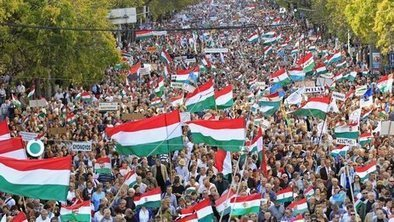 Rival rallies mark Hungary uprising | World Peace | Scoop.it