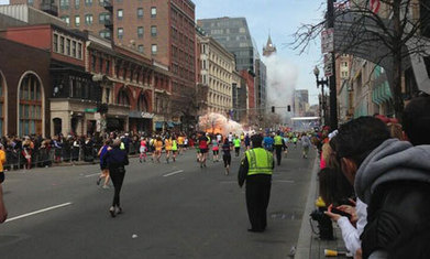 How the Boston Marathon explosions reveal the two sides of Twitter | zyxxle | Scoop.it