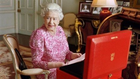 Queen Elizabeth II becomes longest-reigning UK monarch - BBC News | History 101 | Scoop.it