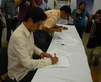 CORPOAMAZONIA - Se firmó acuerdo por la madera legal en la Amazonia colombiana | Pacto Intersectorial por la Madera Legal en Colombia - PIMLC | Scoop.it