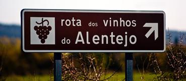 Condé Nast Traveler volta a eleger Portugal como melhor país para viajar  - Vida - Sol   ecotourisnovation   Scoop.it
