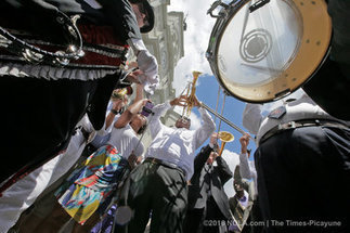 Pete Fountain's second line parade, an amazing musical tribute | New Orleans Local | Scoop.it