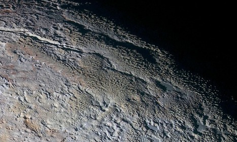 Perplexing new 'snakeskin' image of Pluto terrain from New Horizons | Amazing Science | Scoop.it