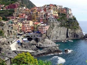 Le 21 città più colorate del mondo - Giornalettismo   Cinque Terre - Liguria - Italy   Scoop.it