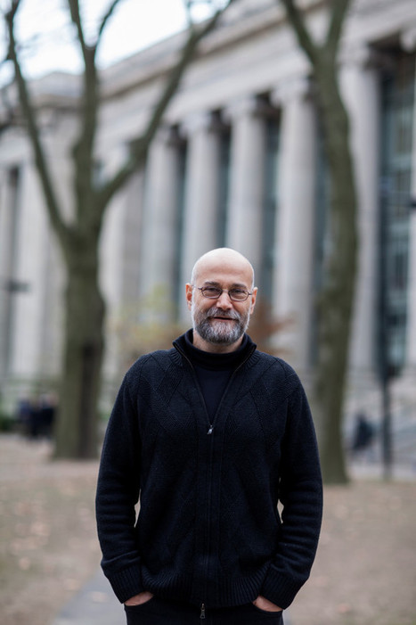 Yochai Benkler on whistleblowers, the news ecosystem and self-organizing in the commons - Harvard Law TodayHarvard Law Today | Peer2Politics | Scoop.it