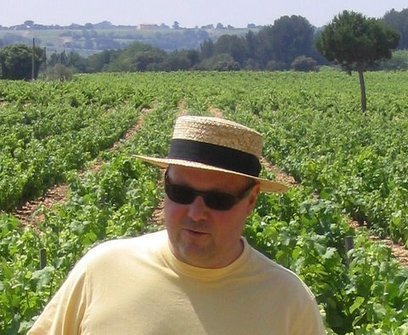 Talking Wine with Ed Riche in the vines of Chateau Beaucastel, Chateauneuf du Pape. | Wine website, Wine magazine...What's Hot Today on Wine Blogs? | Scoop.it