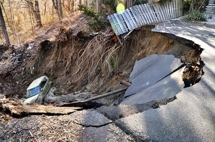 Giant sinkhole in New Jersey swallows car | Recent Natural Disasters | Emergencies | Hazards | Calamities | Recent Natural Disasters | Scoop.it