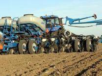 Planter Places Two Hybrids in Field | beautyful | Scoop.it