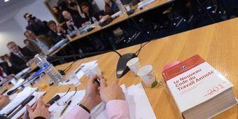 Ce qu'il faut savoir sur le projet de loi sur l'emploi | ECONOMIE ET POLITIQUE | Scoop.it