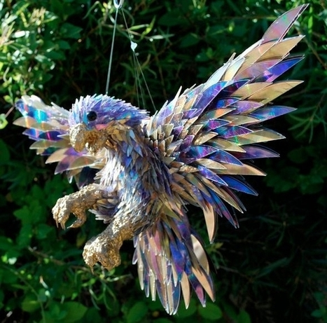 Incredible Animal Sculptures Made from Broken CDs | Green Calling | Scoop.it