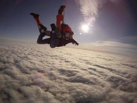 Saut en parachute pour 7 jeunes de la Grande Borne de Grigny avec le Secours populaire ! | Initiatives originales | Scoop.it