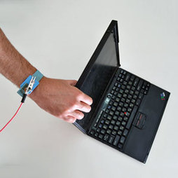 Touching a Laptop Can Break Its Encryption | MIT Technology Review | Intelligence économique | Scoop.it