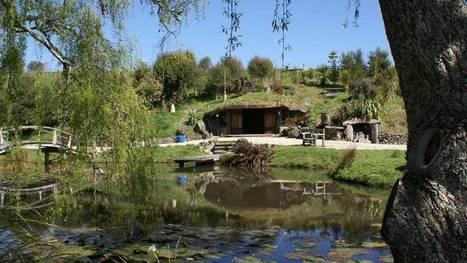 Vid o vivre dans une maison semi enter for Construire une maison de hobbit