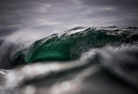 Photographer captures the moody ocean at daybreak   Random Tidbits   Scoop.it
