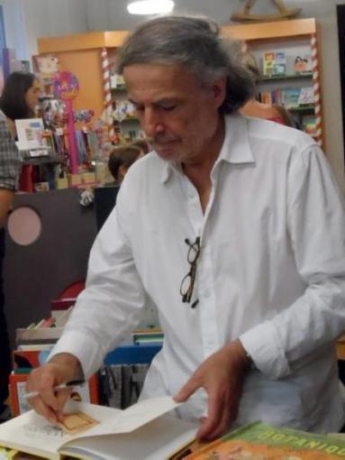 Albi. Frédéric Clément en résidence à la librairie des enfants - LaDépêche.fr | Point & Marge, the micro studio | Scoop.it