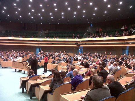 Kamerleden kijken op Twitter niet om naar 'gewone burger' | ten Hagen on Social Media | Scoop.it