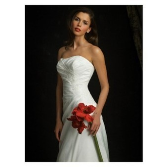 Rich Taffeta Sweetheart Column Sweep Wedding Dress with Lace Appliqued Cheap for Sale | Wedding Dress 2013 for cheap collection | Scoop.it