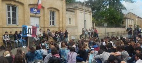 les lycéens mirandais en soutien à leur camarade sous le coup d'une expulsion vers son pays d'origine   Critique du changement   Scoop.it