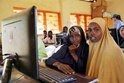 Somalia: Refugee camp brings solar energy into computer classrooms | África: arte africana,cine africano,literatura africana,... | Scoop.it