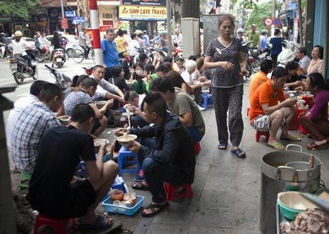 The best sidewalk restaurants in Hanoi - News VietNamNet   Expat Life in Hanoi   Scoop.it