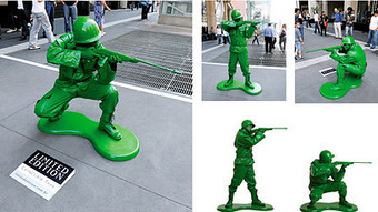 copyranter: Cool! Real toy soldiers promote toy store on the streets of São Paulo. | Future Of Advertising | Scoop.it