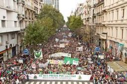 The Largest Marijuana March Ever? 150000 Protest in Buenos Aires! - Drug War Chronicle | Cannabis News & Information | Scoop.it
