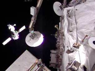 Russian-US crew docks at ISS after two-day delay   The TradiePad Story   Scoop.it