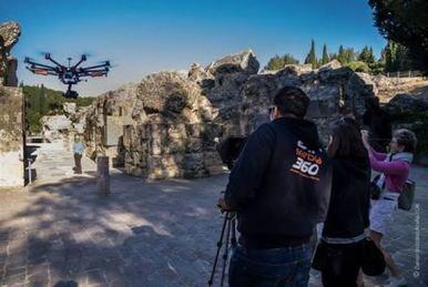 La BBC graba en Itálica fragmentos de un documental con ayuda de un 'drone' | LVDVS CHIRONIS 3.0 | Scoop.it