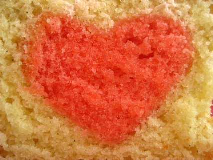 Bake a Heart in a Cake! | Cake And More Cake | Scoop.it