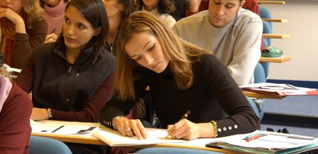 Comment ralentir la fuite des enseignants-chercheurs à l'étranger | Enseignement Supérieur et Recherche en France | Scoop.it