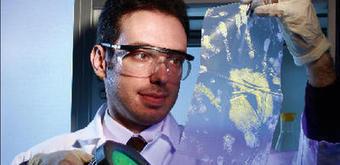 Cosimo Prete (Lumicyano) : son révélateur d'empreintes va rendre jaloux les experts   Innovation : success stories   Scoop.it