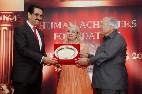 Y Sudhir Kumar Shetty wins Achievers Award, 2014 | UAE Exchange | Scoop.it