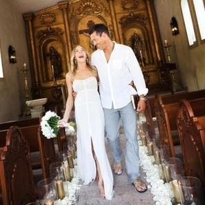 Barefoot Blushing Bride! LeAnn Rimes & Eddie Cibrian's Vow Renewal Photo   MORONS MAKING THE NEWS   Scoop.it