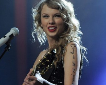 Taylor Swift Donates 14,000 Books to Nashville Public Library   Google Lit Trips: Reading About Reading   Scoop.it