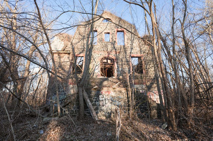 Exploring New York City's Irresistibly Eerie Abandoned Places | Modern Ruins, Decay and Urban Exploration | Scoop.it