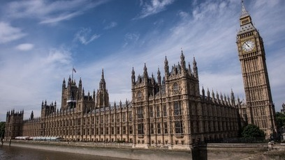 Watchdog plans to give MPs a £7,600 pay rise | Microeconomic news for A-level students | Scoop.it