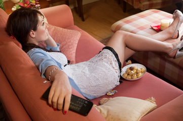 Being a Couch Potato Is More Harmful Than You Think / Nutrition | To what extent had television as a source of entertainment changed America neighborhood and leisure activities | Scoop.it