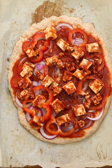 Sriracha BBQ Tofu Pizza with Pepper Jack on Spelt Crust. Vegan Recipe - Vegan Richa | My Vegan recipes | Scoop.it
