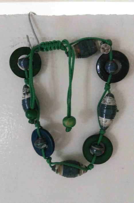 recycled paper bead friendly friendly, ethically handmade by disadvantaged producers group. | Wire Wrapped Jewelry | Scoop.it