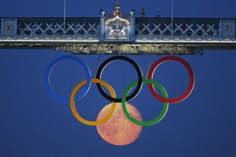 Photographing the moon as an Olympic ring | Social Media Engine | Scoop.it