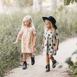 Vêtements pour petite fille d'insporation bohème Yellow Flamingo | picslovin | Scoop.it