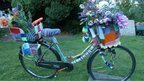 Old bike becomes knitted artwork | Yarn bombing _ File Ta[g] Ville | Scoop.it
