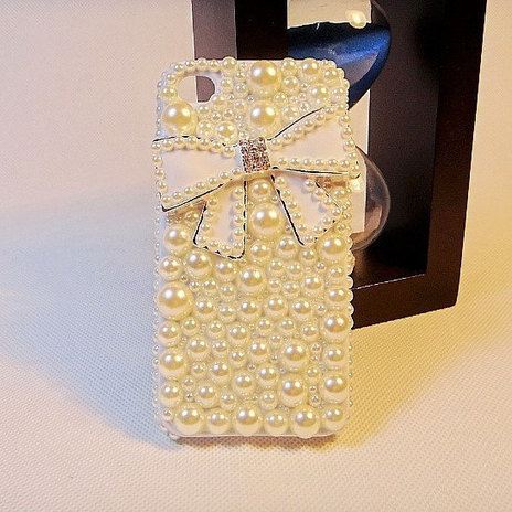 iPhone 4s case - iPhone 4 cae 3D crystals studded Bling Cover gift for girls | bling iphone case | Scoop.it