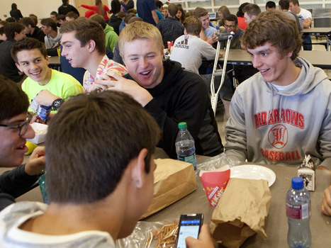 These Days, School Lunch Hours Are More Like 15 Minutes | WEKU | School Lunches | Scoop.it