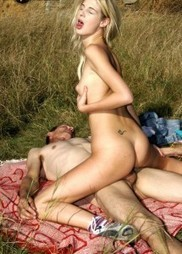 Blonde young amateur outdoor sex with old man | Naughty Asia | Naughty Asia | Scoop.it