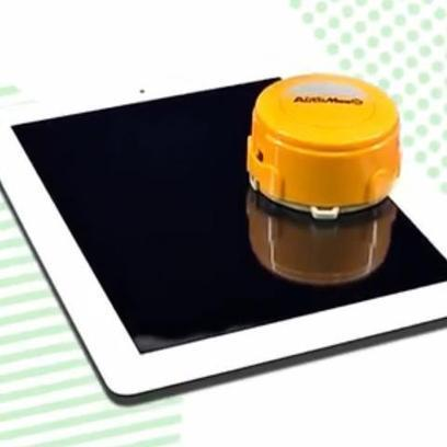 This Little Robot Cleans Your Tablet or Smartphone | Robolution Capital | Scoop.it