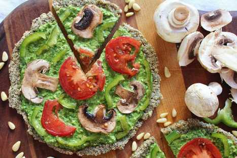 Raw Vegan Pizza with Spinach, Pesto, and Marinated Vegetables | My Vegan recipes | Scoop.it